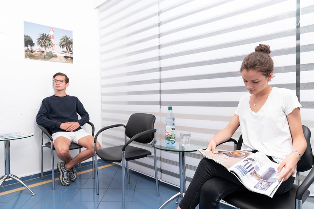 Zahnärzte Seckbach - Sammer-Englert - Wartezimmer der Praxis
