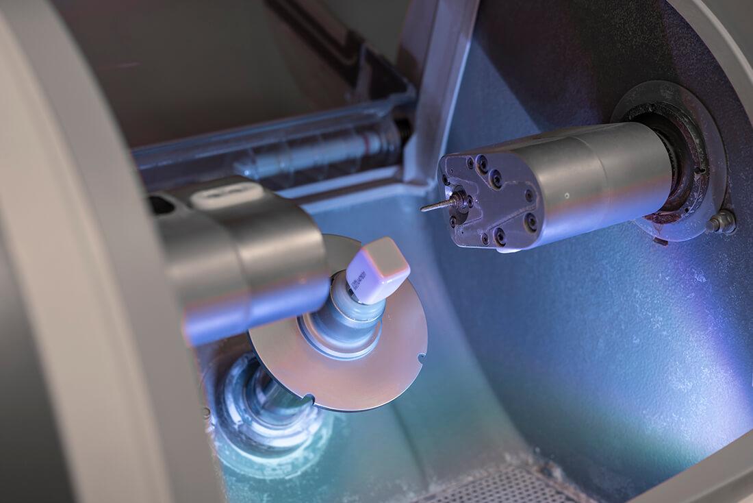 Zahnärzte Seckbach - Sammer-Englert - Herstellung von Kronen in der Praxis